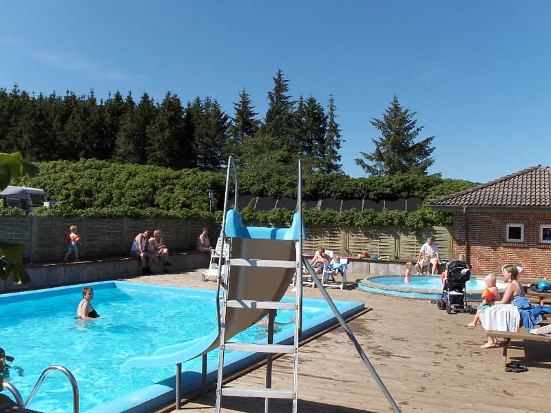 Pool sindal camping for Camping sites with swimming pools