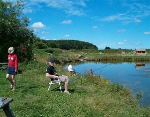 Sindal Camping - Fiskeri i Uggerby Å er en stor naturoplevelse